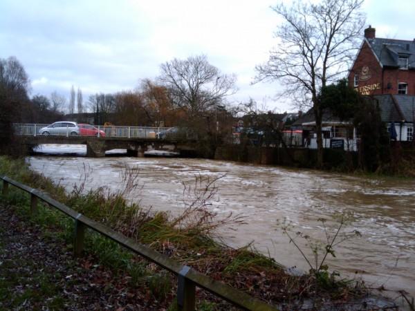 Little River Inn >> River Chelmer Is Close To Bursting Its Banks - Essex Portal