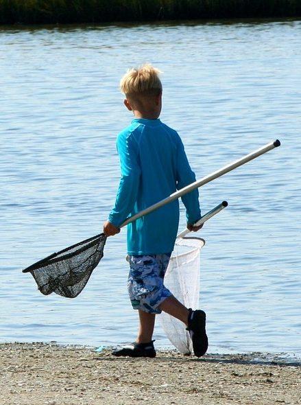 boy going crabbing